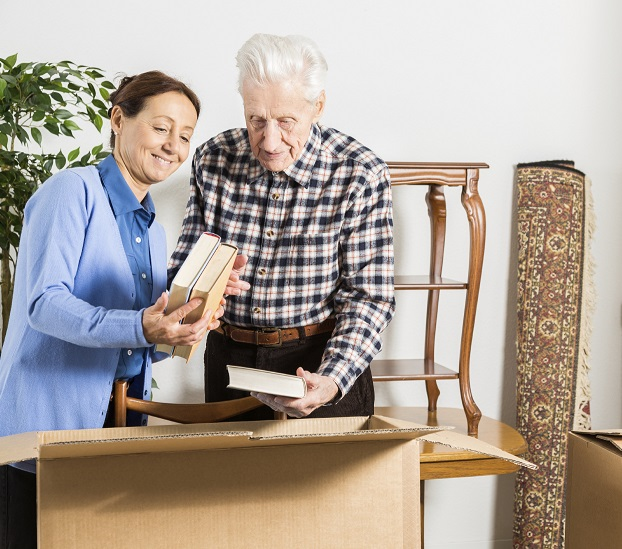 Helping a Senior Loved One with Downsizing